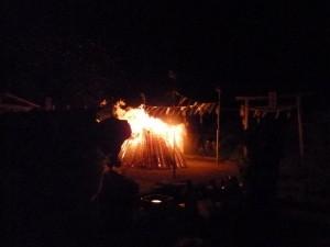 月山中之宮にて柴燈祭を斎行致します