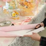 ①柔らかめの紙、包装紙(和紙、クレープ紙)を5cm前後で細長く切ります。